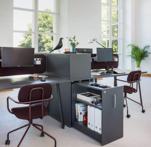 Meble biurowe – jak zapewnić pracownikom komfort pracy?