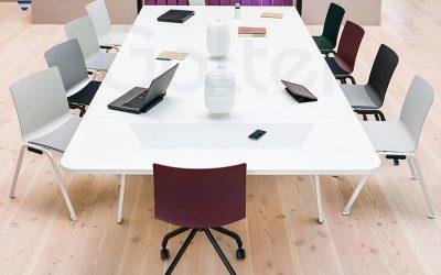 Sala konferencyjna – czym powinna się charakteryzować, aby spełniać wszystkie swoje zadania?