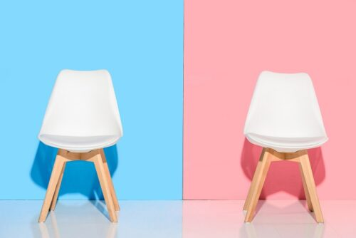 Krzesła drewniane – jakie wybrać do swojego wnętrza?