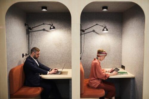 Cyfrowo martwe strefy – trend w projektowaniu biur sprzyjających skupieniu